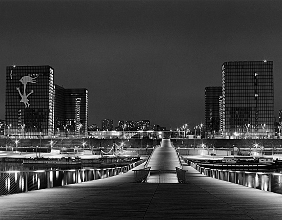 Passerelle Simone de Beauvoir, Paris, France, photographed by Gary Zuercher